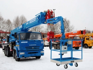 arenda-avtokrana-25-tonn-32-metra-s-lyulkoy